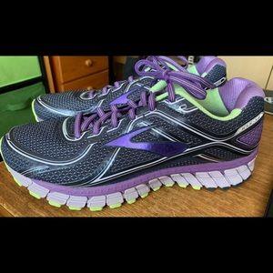 Brooks GTS 16 US men's 12B running shoes